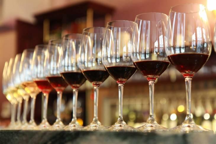 f9be821874e5bbd9f03b_wine-tasting.jpg