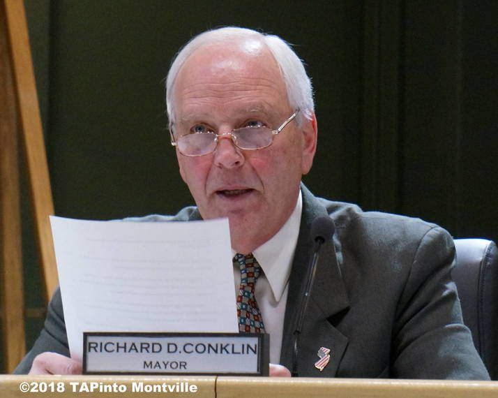 fce77dc7e06b40de6888_a_Mayor_Richard_Conklin_reads_a_statement__2018_TAPInto_Montville.JPG