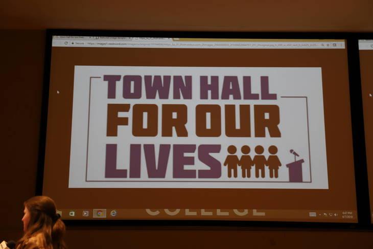 fea2d88785aeb882f1fb_town_hall_fo_gun_control_4-7-18_012.JPG