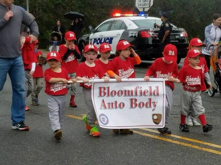 fefa2c399c9302a4dd45_Bloomfield_Little_League_Parade_2017_2.jpg