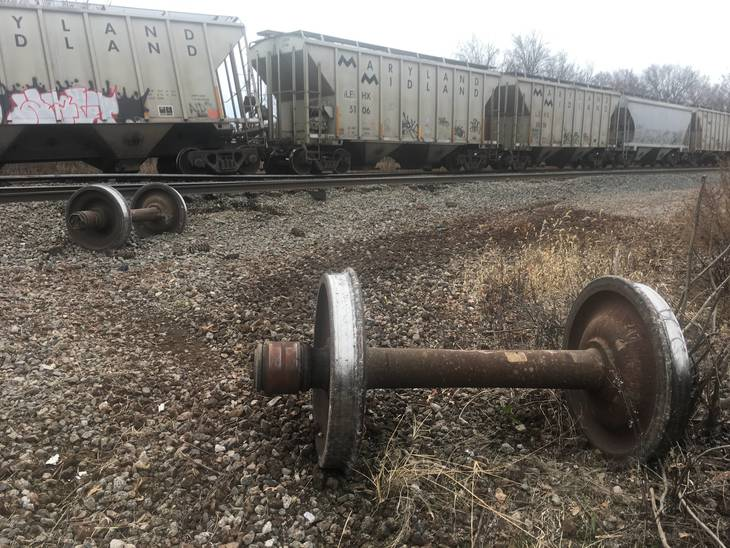 Freight train derails in New Jersey, causing commuter delays