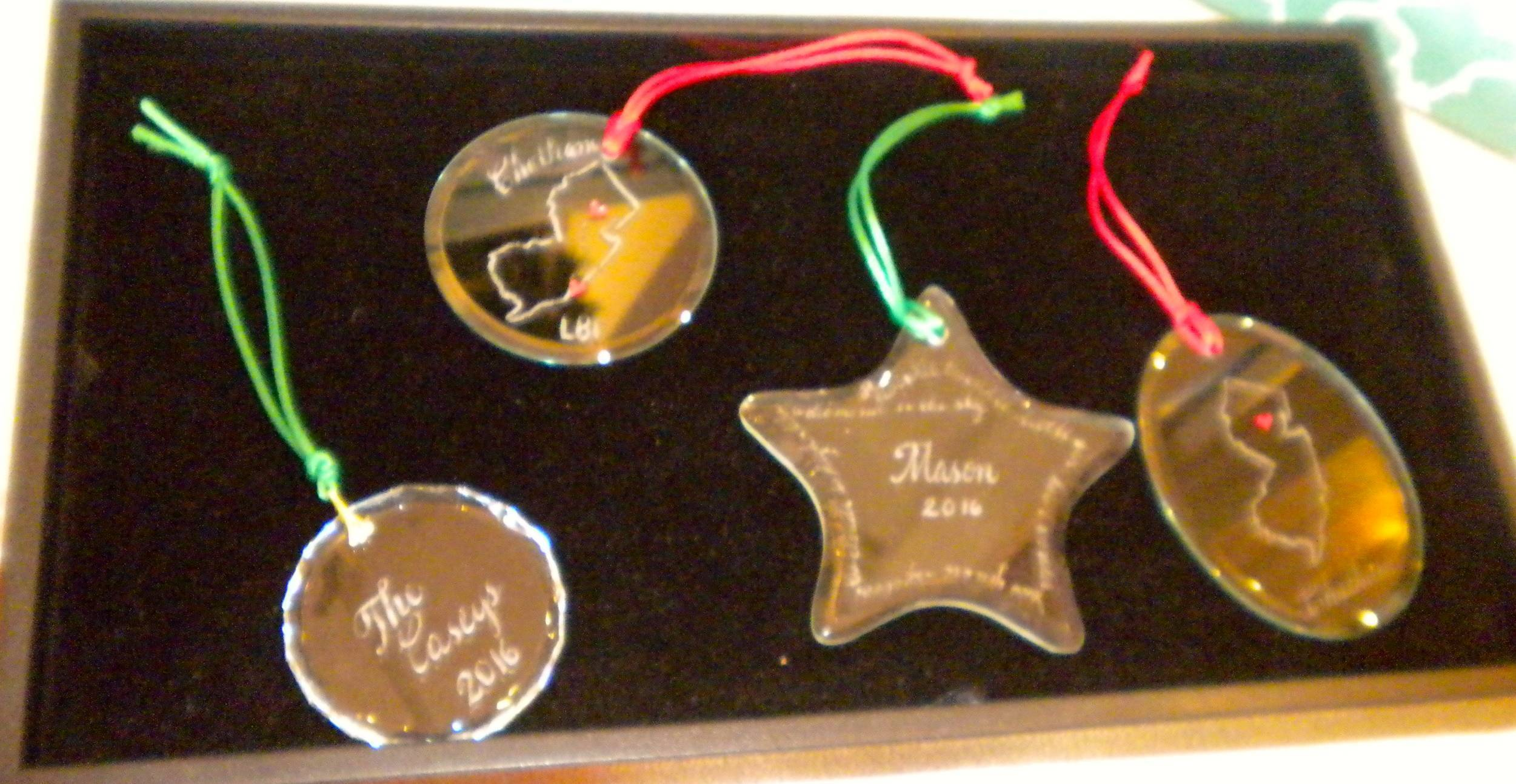 d0e17c4dd745dde7605e_88d9ad47bca3786ef87a_ornaments.JPG