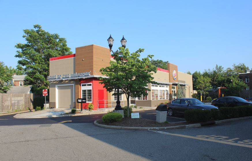 d5f0a71532d9dde9bb2b_Burger_King_Nutley_July_2018.JPG
