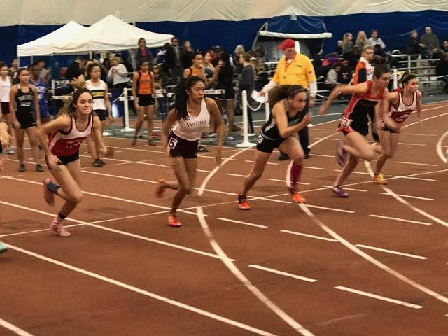 d8cfd0a3ed274e0ccd57_tracksectionals.jpg
