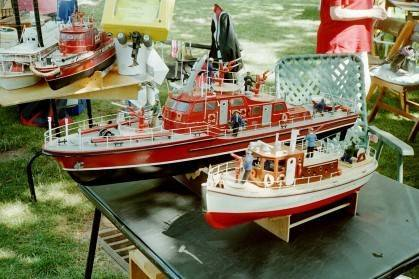 da2b60b1bb7ba602ac1a_model_boat.jpg