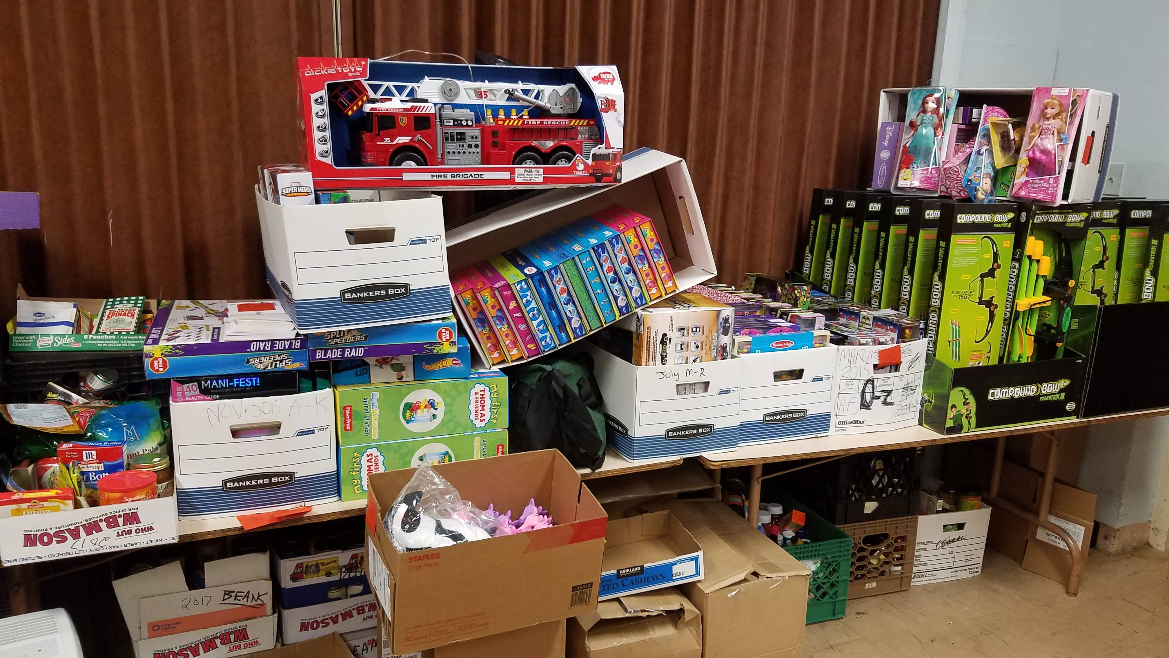 Vip honda donates toys for star fish food pantry holiday for Fish food pantry