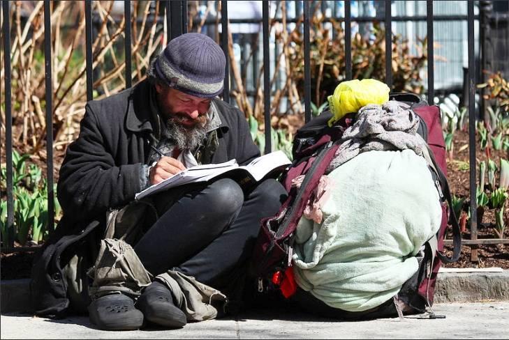 ddf6c51b52033896092b_17847_front_homeless_dimitrif.jpg
