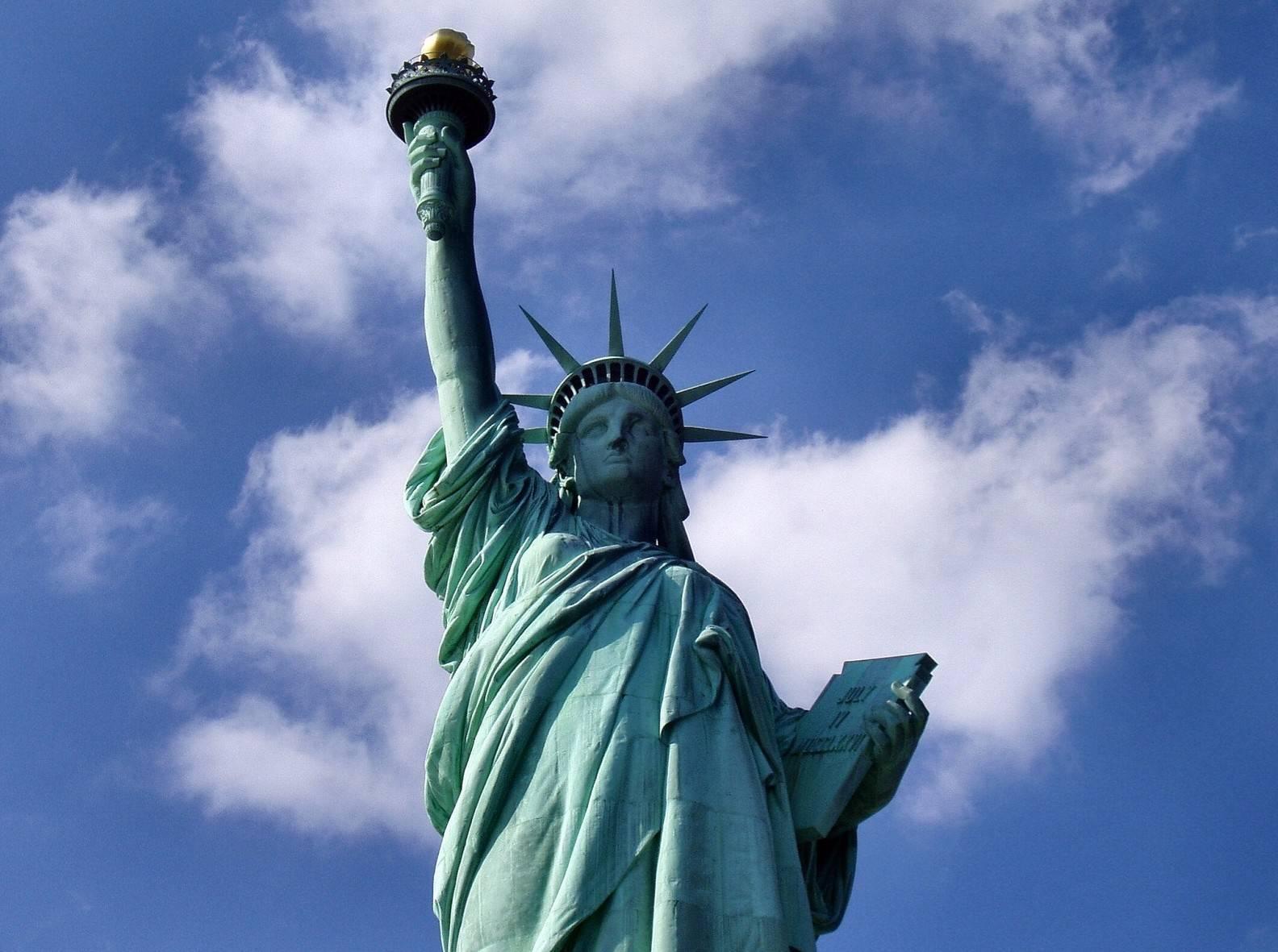 e65573dc93d2e8829866_statue-of-liberty-1045266_1920.jpg