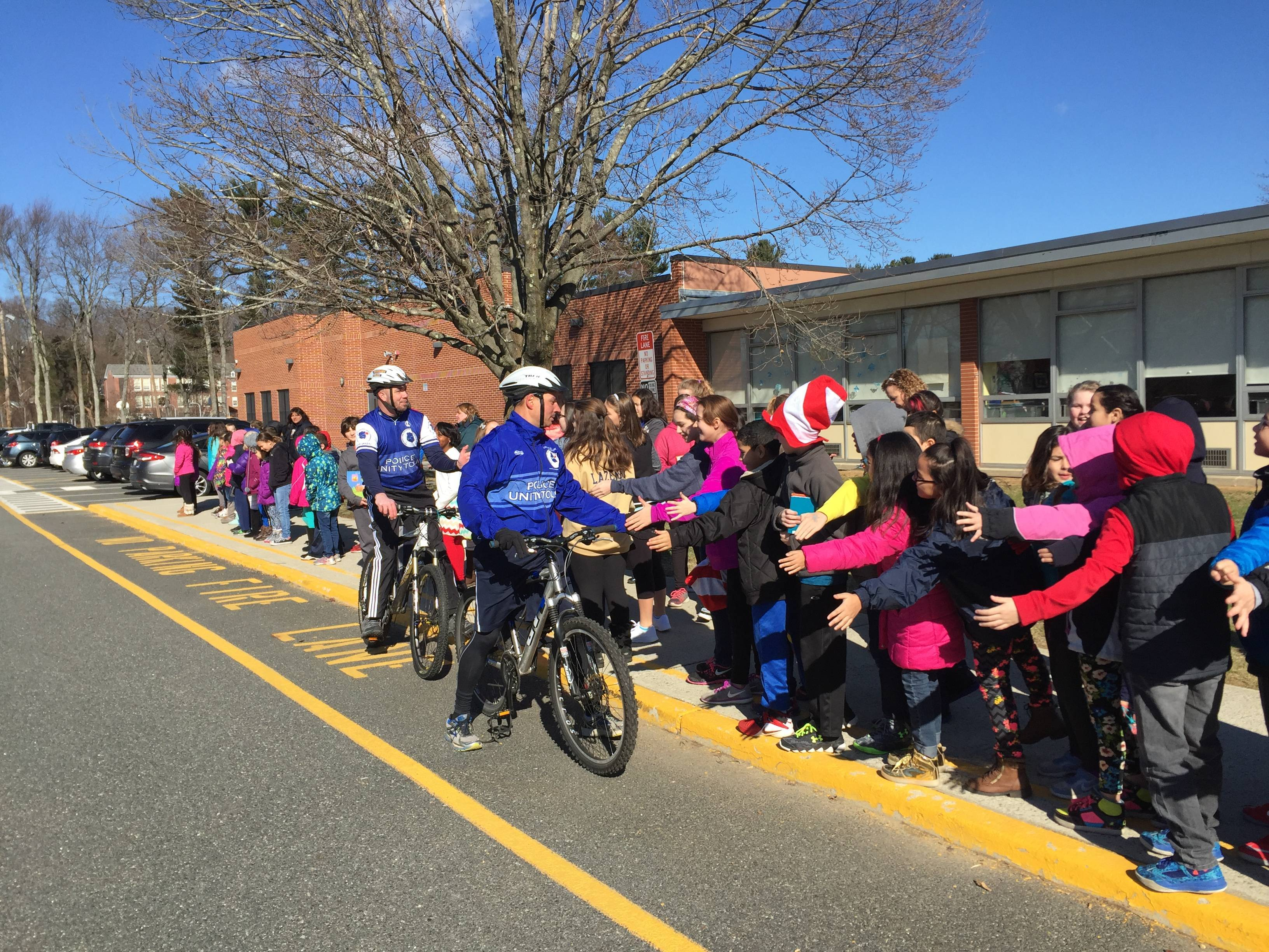 f017a05c8e503bc90979_LR_Students_at_Franklin_for_Read_Across_America.JPG