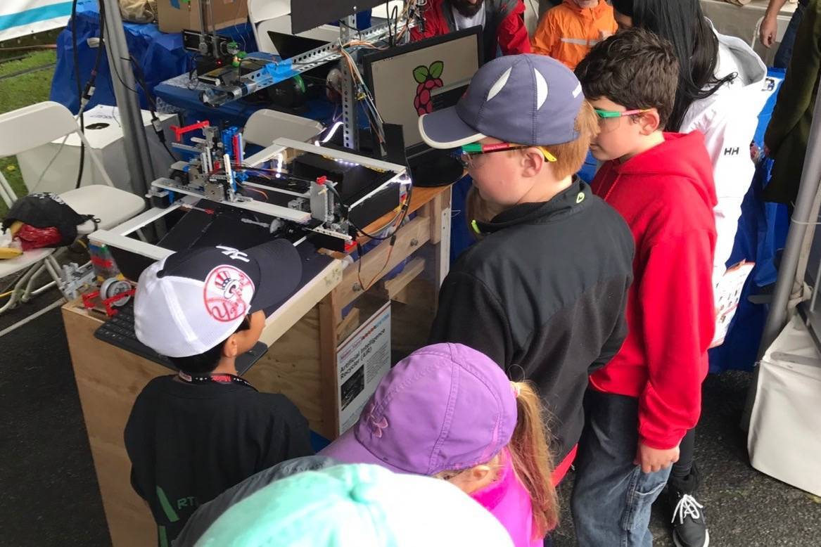 Livingston Robotics Club Team Receives Editor's Choice Award at World Maker Faire
