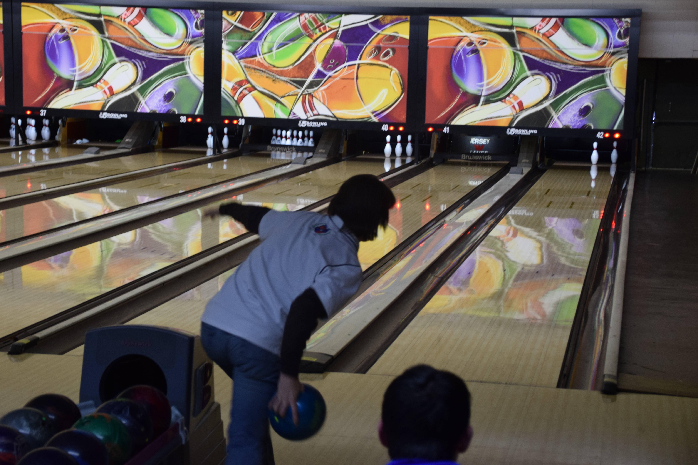 f35e136b5e0330ab90dd_BowlingMadeit.jpg