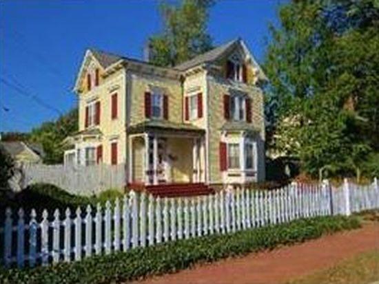 f76f4318b4c13355d273_Crandall_House.JPG