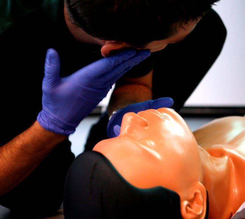 f849c8cdb9ca8ab5fcf2_CPR_training.jpg