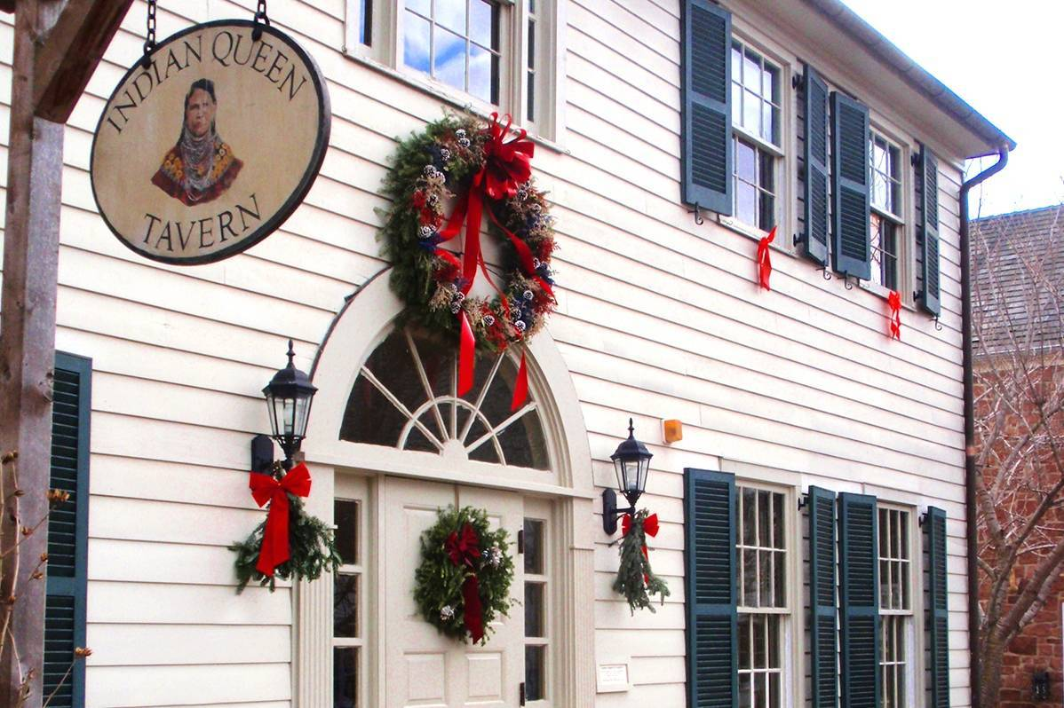 fc40f17bcfe0805f9bbc_Seasonal_Traditions_Village_cropped__1_.jpg