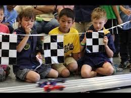 fcc4730b3a7630e7f64e_Pinewood_derby_track.jpg