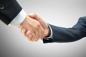 Carousel_image_5f6196dd99eeb4420b8c_business_handshake