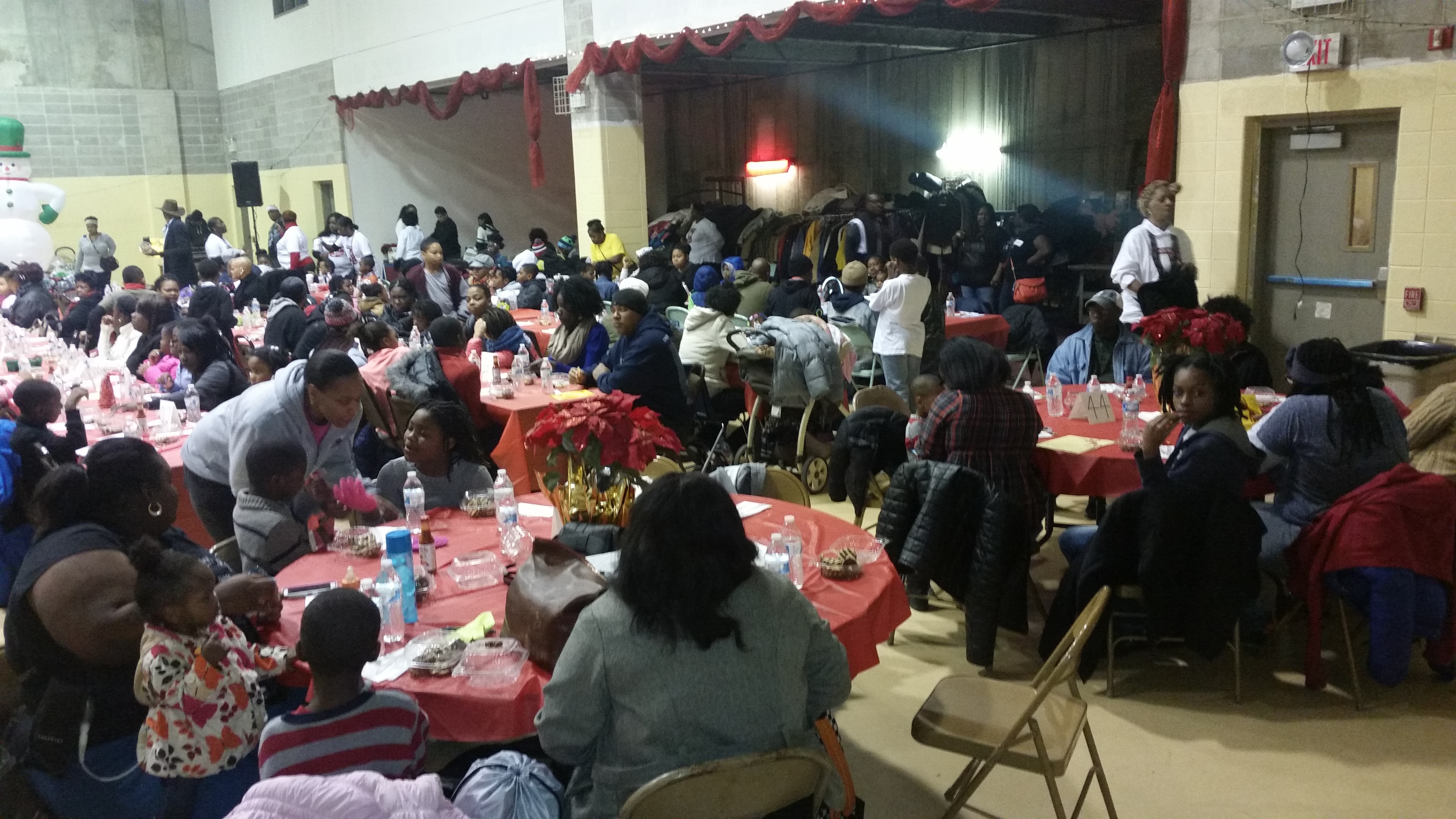 ce722507bb3cbdeabca6_christmas_party_1.jpg