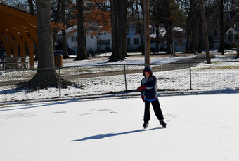 Top_story_237b303698e2391faf3d_ice_rink_-_a