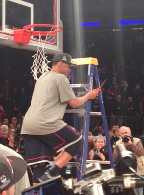 NYC Plays Host as UCONN Holds Off Michigan State to Reach the Final Four, photo 4
