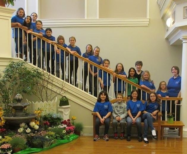 f466df57364bf3ce1f5c_Children_s_Chorus_of_Sussex_County_s_Bel_Canto_choir_with_Deborah_Mello_and_Janelle_Heise.jpg