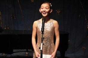 Vocalist Elizabeth Hendy