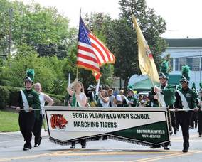 Carousel_image_a0a0722c396ecf6884df_marching_band