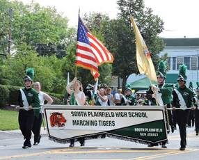 Top_story_a0a0722c396ecf6884df_marching_band