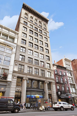Kristen Wiig's Apartment for Sale - The Building