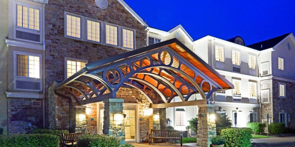 282704663adb986c00e7_staybridge-suites-cranbury-2532561880-2x1.jpg
