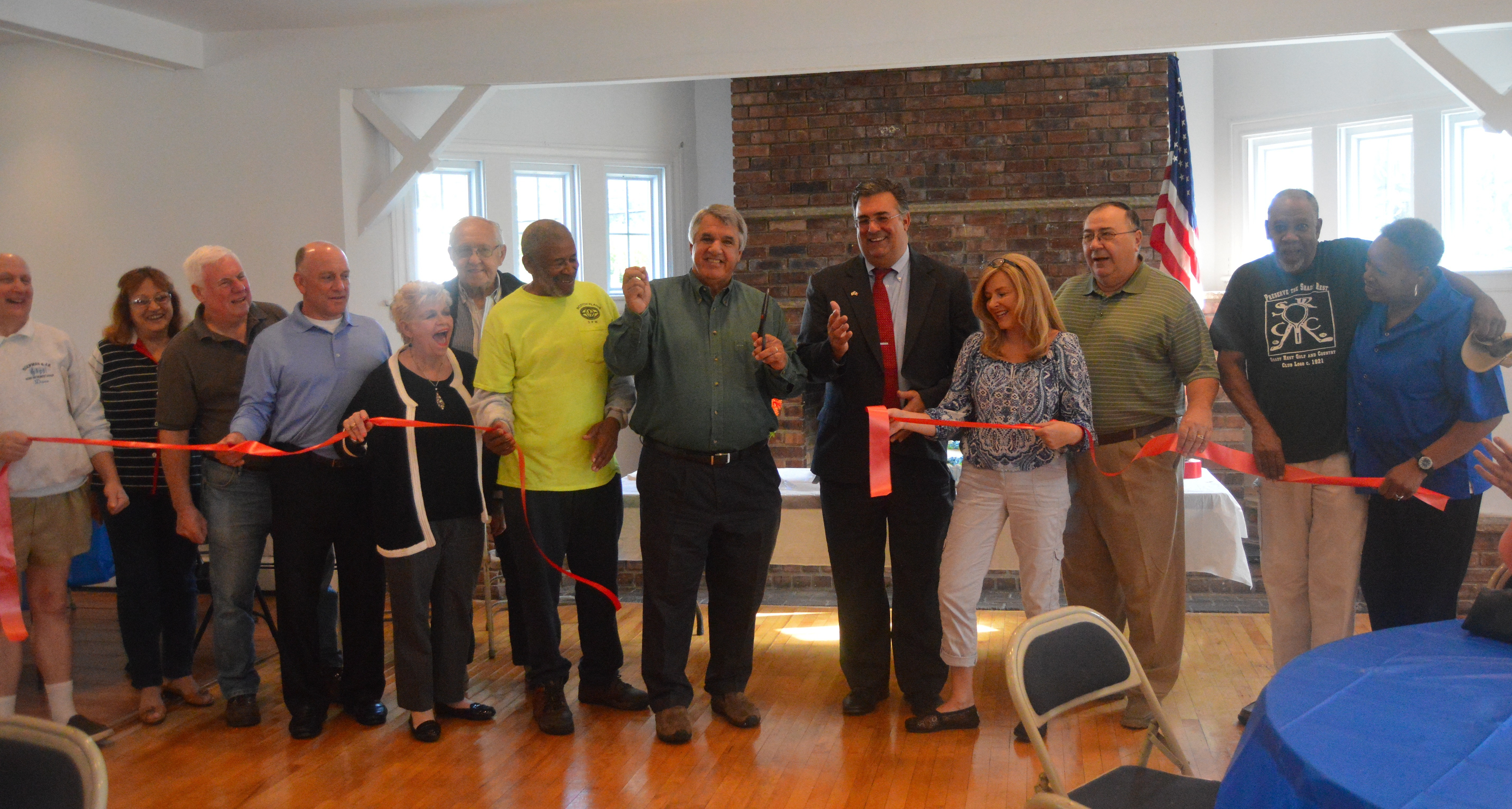cf98be7987f4554b005c_Shady_Rest_-_Ribbon_cutting.JPG