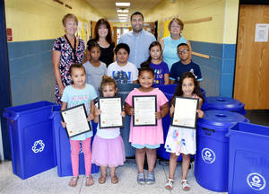 Carousel image 007fe1049af2775006d1 school recycling bins photo