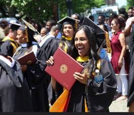 Carousel_image_008dda548af090331e04_bloomfield_college_bc_graduation_2017_a