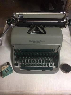 manul typerwriter.jpg