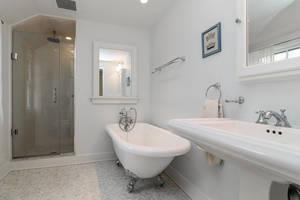 11_OaklawnRd_master bathroom_web.jpg