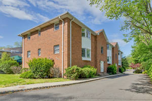 382 Morris Avenue, Unit 3A, Summit, New Jersey: $379,000