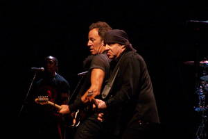 Carousel_image_04870f2d4f01fbf6669f_1280px-little_steven_van_zandt_and_bruce_springsteen