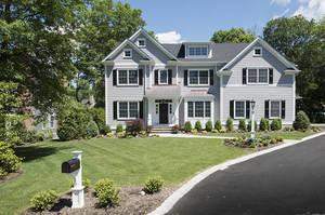 8 Rolling Hill Drive, Chatham Twp NJ: $2,295,000