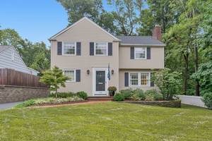 145 Colonial Road, Summit, NJ: $789,000
