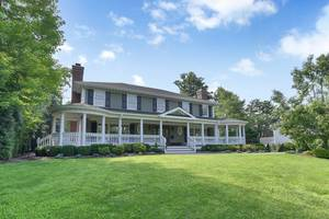17 Farbrook Drive, Short Hills NJ:   $3,295,000