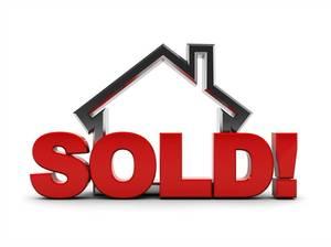 Carousel image 05e89757b8e678d9b8e5 tap houses sold sign
