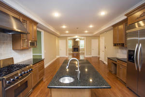 Kitchen into FR.jpg