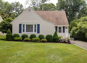 139 The Fellsway, New Providence NJ: $585,000