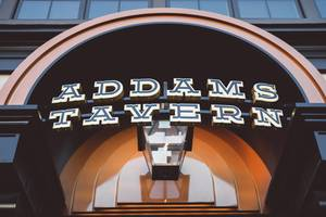 Carousel_image_09a898d88314c38ccdad_addams_tavern_by_daniel_krieger_photography-1360