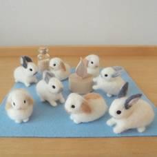 Carousel_image_0d8c951465a4f5f967f8_wool_felt_bunnies