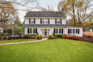 27 Dogwood Drive, Summit NJ: $1,625,000