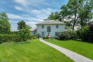45 Edgewood Rd, Summit NJ: $1,799,000