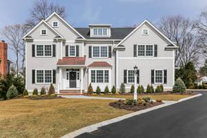 8 Rolling Hill Drive, Chatham Twp NJ: $2,395,000