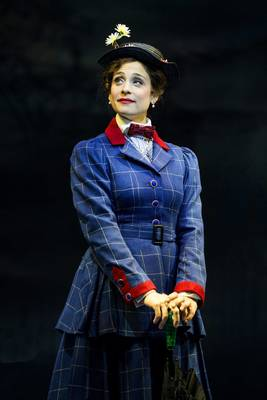 Carousel_image_1217385f09670f1cdc67_mary_poppins_paper_mill_photo_5