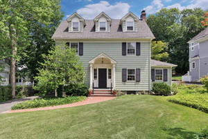 25 High Street, Summit, NJ: $1,090,000