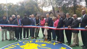 Carousel_image_1345315df0e98aab1285_glenfield_park_courts_opening_2017